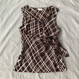 New York & Co sleeveless top with tie